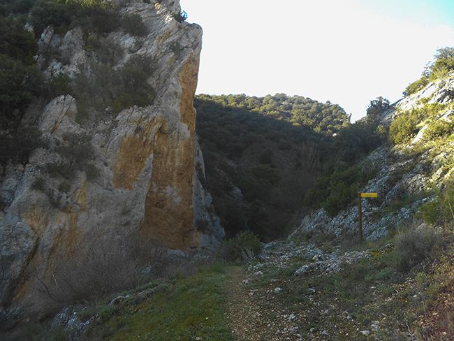 Circular hoces del piedra comarca campo de daroca for Las puertas de piedra amazon
